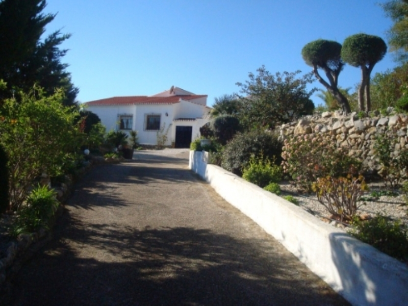 Finca for sale in Senija