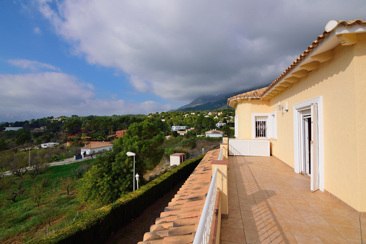 Villa for rent in Altea